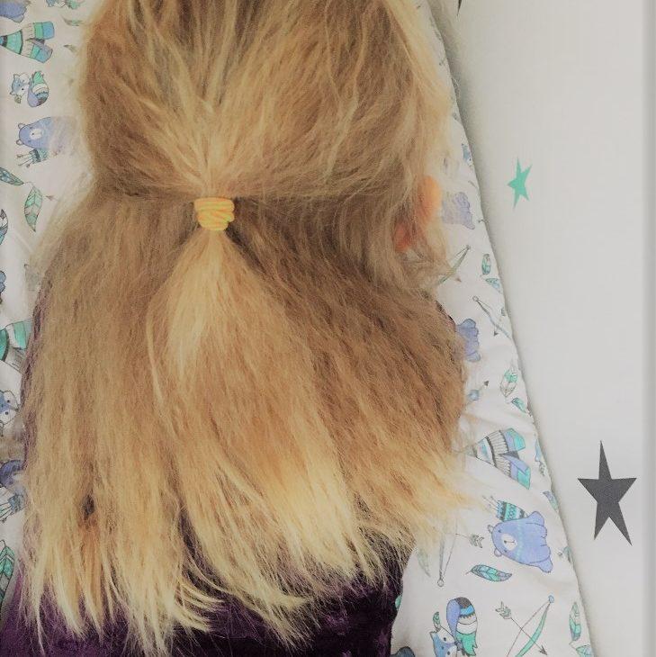 krótka historia karbowanych włosów czyli o trudnych emocjach w naszym życiu .